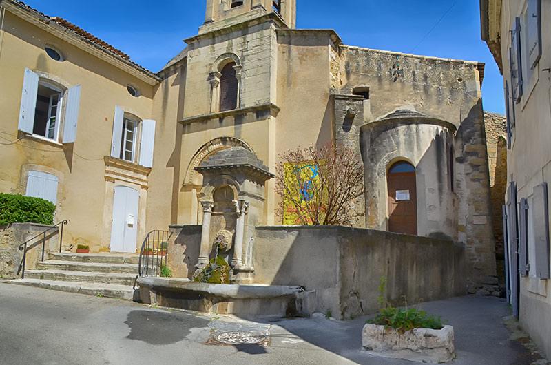 Lourmarin village et chateau sud luberon - Office de tourisme lourmarin ...