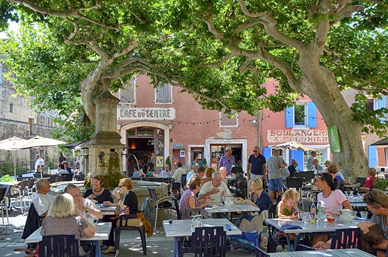 Villedieu village viticole qui b n ficiede l 39 appelation for Piscine de villedieu